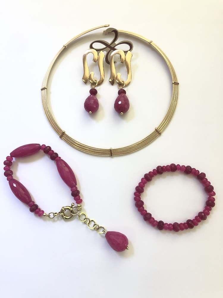 conjunto semijoias colar brinco e pulseira Jade pink e Aro